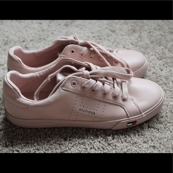49577af4 Tommy Hilfiger Luster Shoes. M_5ac8f3dad39ca26900523996